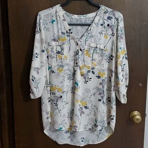 Hi-lo 3/4 sleeve floral blouse